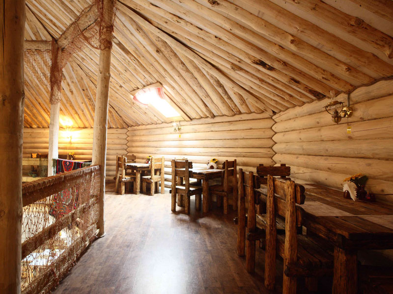 2-й этаж. Ресторан  'Трапезная', 'Окулова Заимка', отдых в коттеджах в Подмосковье.
