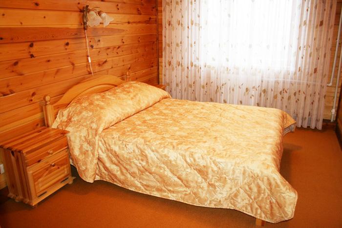 4-местный люкс гостиницы у склона 'Горнолыжного клуба Леонида Тягачева', Подмосковье.