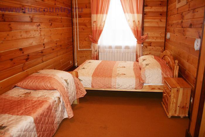 5-ти местный номер гостиницы у склона 'Горнолыжного клуба Леонида Тягачева', Подмосковье.