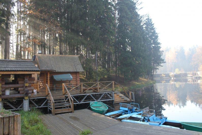 """Озеро, Загородный отель """"Улиткино"""", отдых в Подмосковье."""