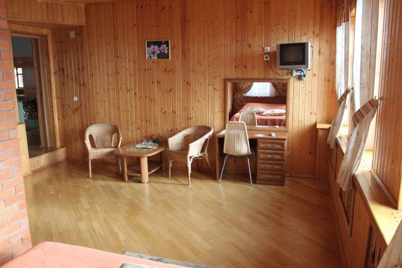 """Здание гостиницы, Загородный отель и коттеджи """"Улиткино"""", отдых в Подмосковье."""