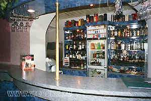 """Бар """"Лабиринт"""". Бекасово база отдыха. Отдых в Подмосковье, Россия санатории, пансионаты, дома отдыха, коттеджи, гостиницы, отели. Туры и путевки, стоимость и цены."""