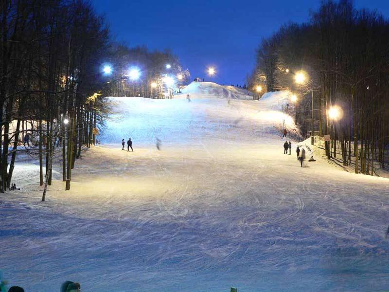 """Фото горные лыжи, пансионат """"Малаховка"""", отдых у воды в Подмосковье."""